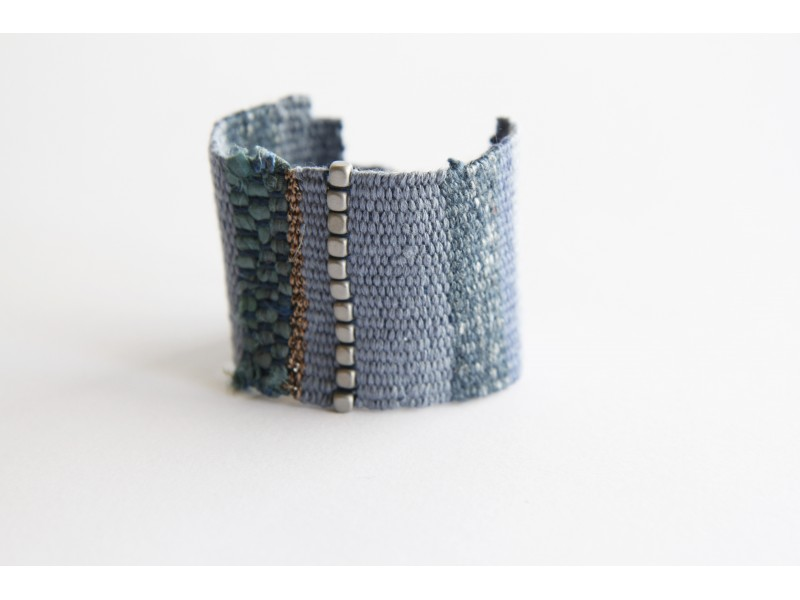Handwoven blue bracelet